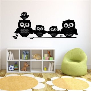 Superfin wallsticker med en hel uglefamilie