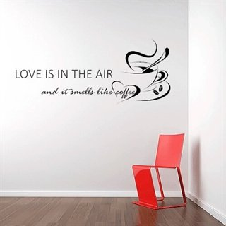 Love is in the air - Flott wallsticker med tekst og kaffekopper til kjøkkenet